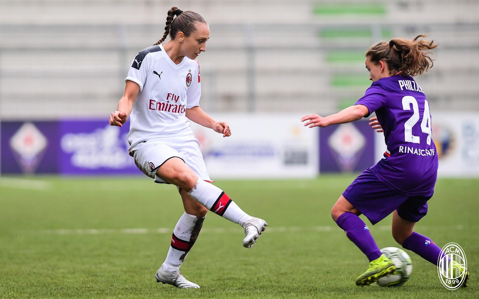 Calcio femminile, futuro in bilico tra campo e stipendi