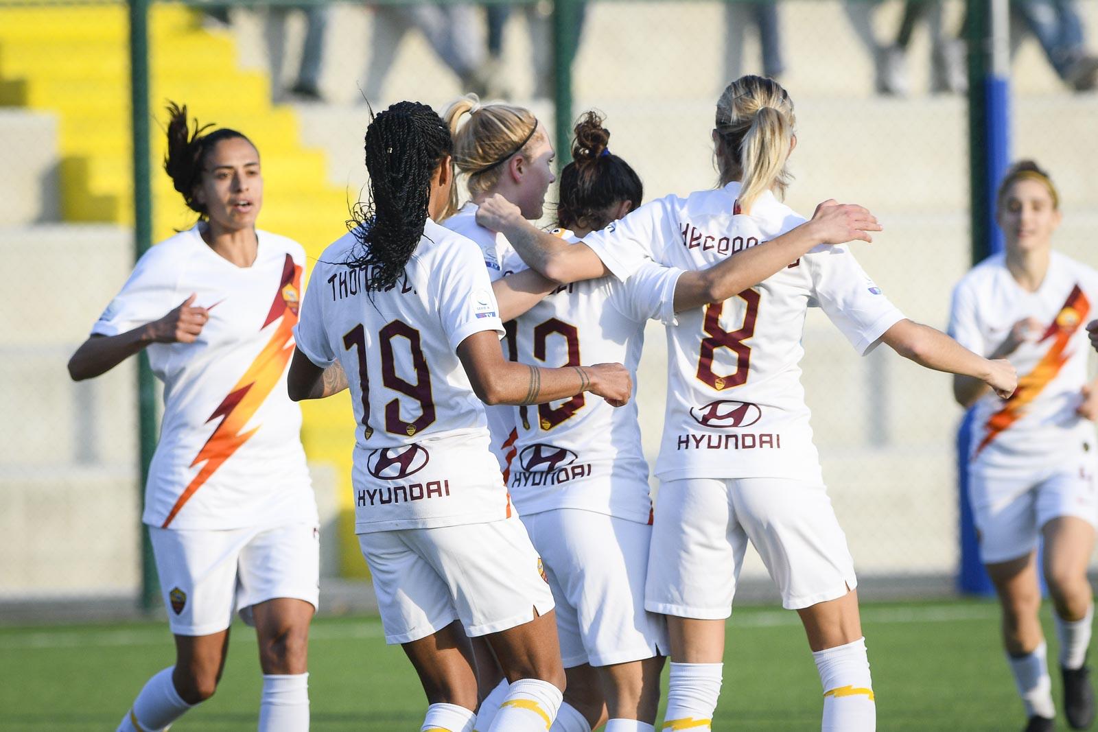 Calcio femminile: a braccetto Milan e Fiorentina. Al via i quarti di Coppa