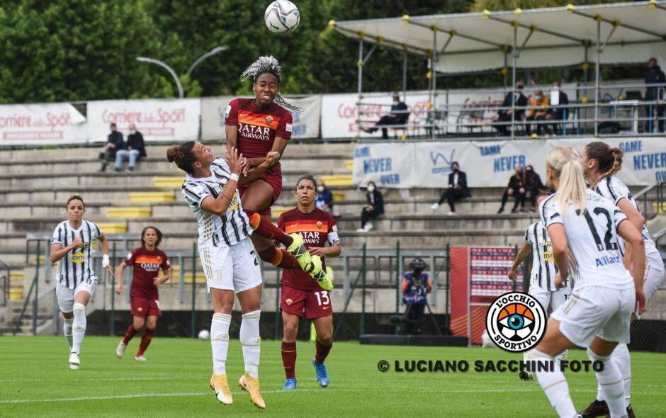 Giallorosse beffate a Napoli: 2-2 e quarto posto sfumato