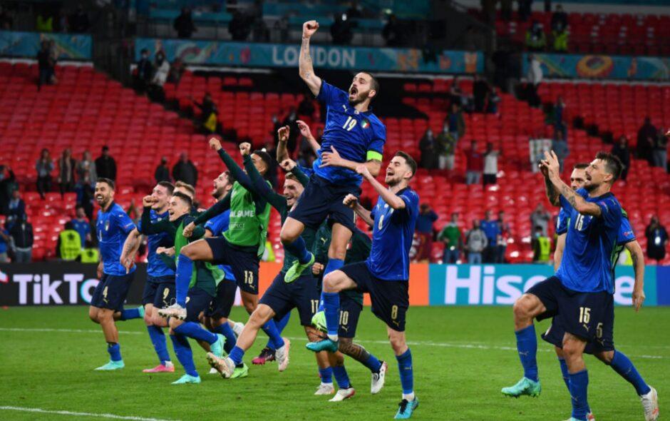 Euro2020, servono 120′ per volare ai quarti: 2-1 agli Austriaci